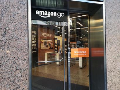 AmazonGo入り口.jpg